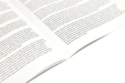 Gevouwen en geniet tijdschrift: goedkoop voor zowel kleine- als grote oplages