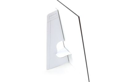 Practical easels made of cardboard for placing panels