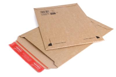 Kartonnen brievenbusenvelop bestellen in hoge kwaliteit