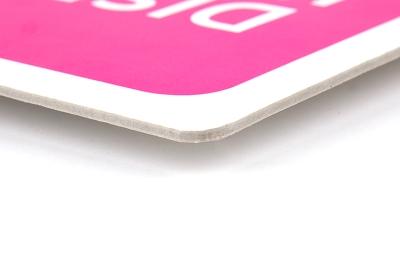 De hoeken van display karton kunnen haaks of rond gesneden worden