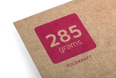 Kraft papier is gemaakt van gerecycled bruin karton