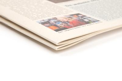 Kranten druppen op ecologisch natuurpapier