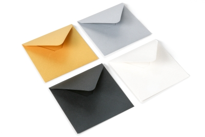 Metallic colored envelopes with a bit of glitter: gold, silver, black and white