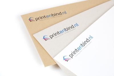 Print je eigen ontwerp op een ecologische envelop in zandkleur