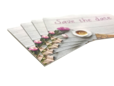 Print je save the date cards in hoge kwaliteit